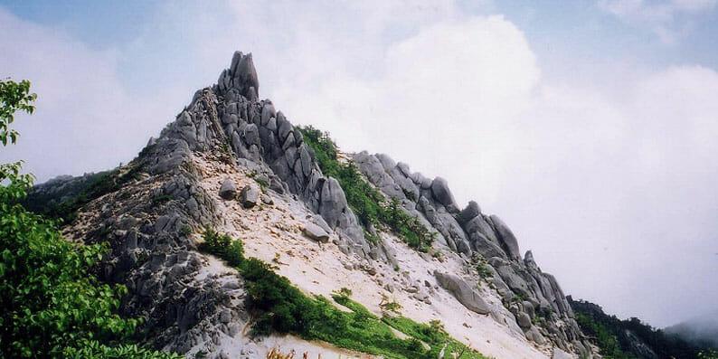 南アルプス 鳳凰三山 地蔵岳のオベリスク