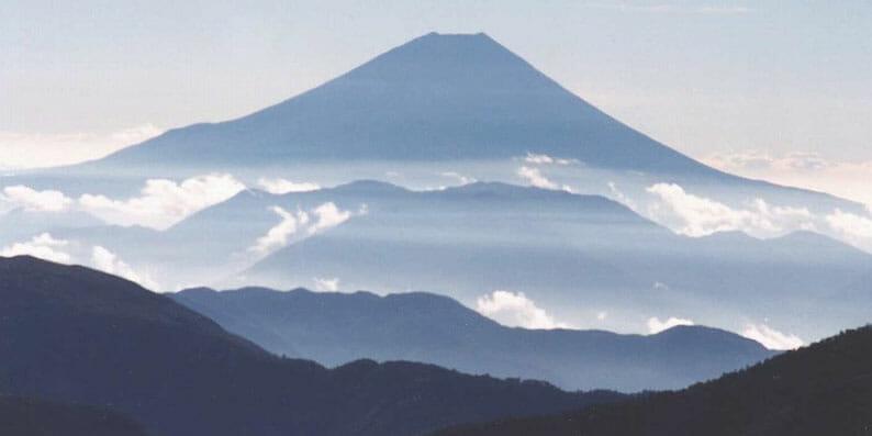 南アルプス小河内岳より富士山遠望
